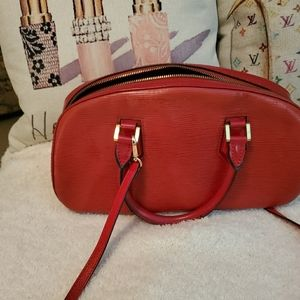 Mint condition vintage LV shoulder epi baf